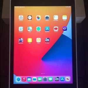 iPad 7th Generation (32GB) w/Magnetic Case